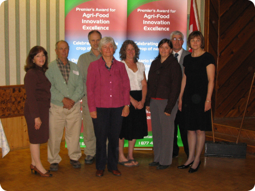 Minister of Agriculture, Food and Rural Affairs, Leona Dombrowsky; Ivan Moore; Brian Burt; Kathy McKay; Pat Dawson; Jenny Knox; Neil and Barbara Vader