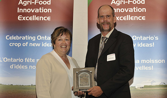 Carol Mitchell, Minister of Agriculture, Food and Rural Affairs, and Paul Bechtel