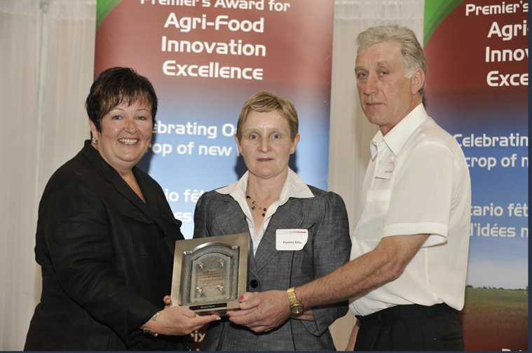 Carol Mitchell, Minister of Agriculture, Food and Rural Affairs, Pamela and Paul Ellis