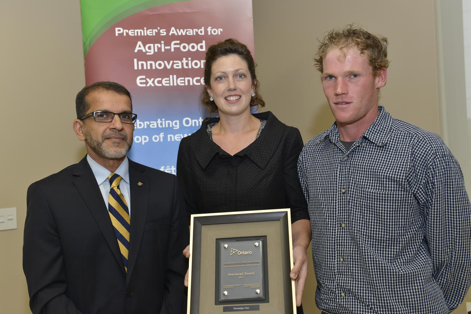 Photo of Fareed Amin, Deputy Minister, Agriculture, Food and Rural Affairs, Steacy and Scott den Haan