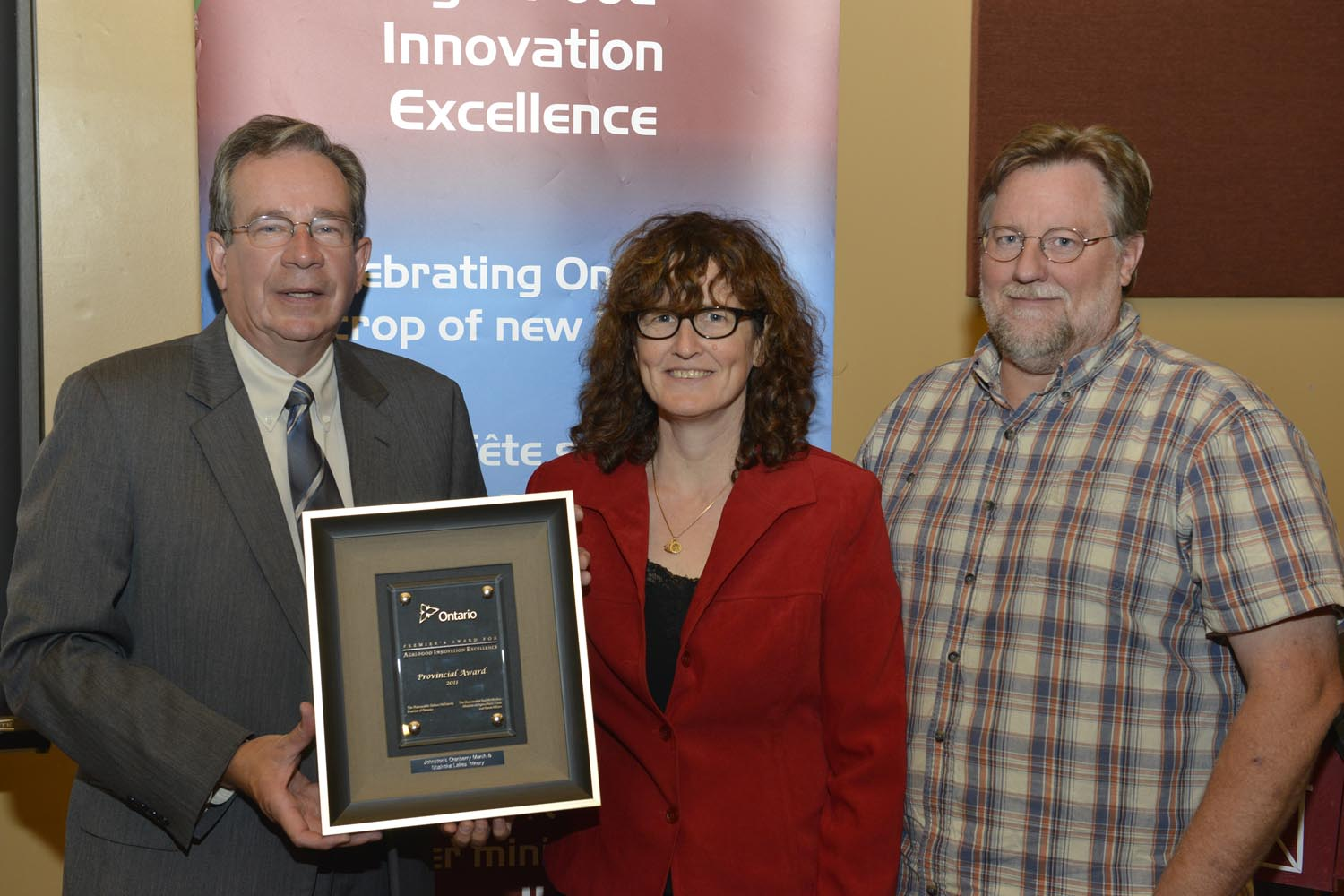 Photo of Jeff Leal, MPP Peterborough, Wendy Hogarth and Murray Johnston